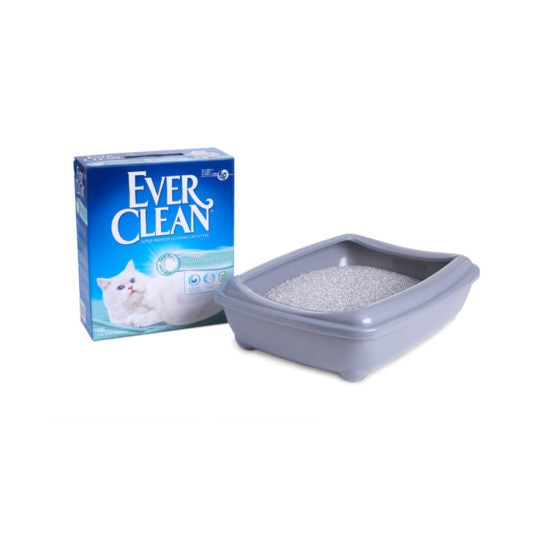 Ever Clean Super Premium Clumping Cat Litter Aqua Breeze Scent Product Image with the tray